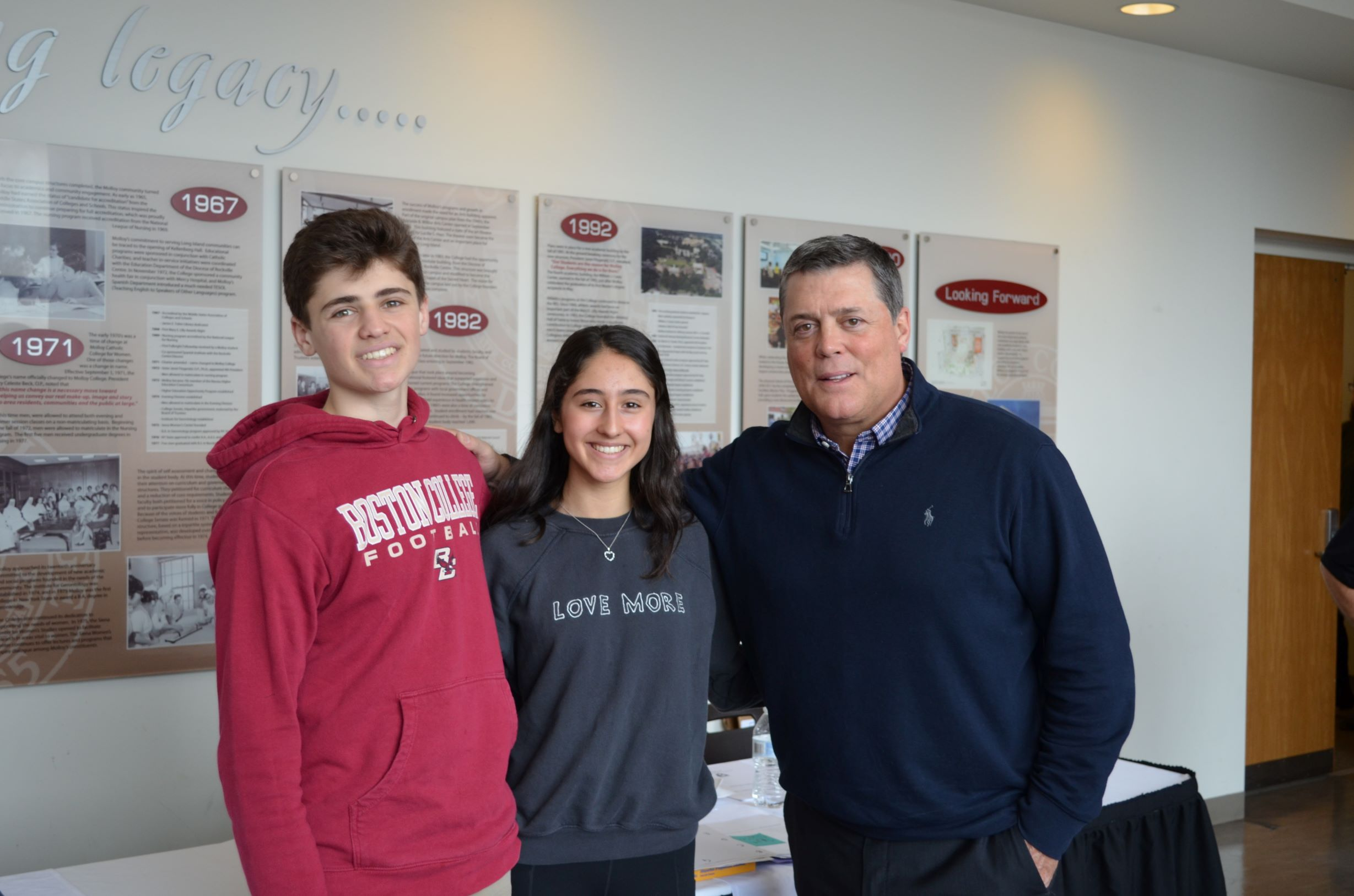 Pat LaFontaine with Student Athletes 2